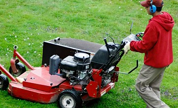 The Most Important Questions to Ask before Hiring a Professional Mowing Service